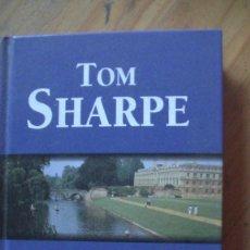 Libros: BECAS FLACAS. SHARPE, TOM. RBA, 1998. Lote 285999393