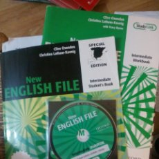 Libros: NEW ENGLISH FILE INTERMEDIATE. BOOK + WORKBOOK + CD. Lote 184581606