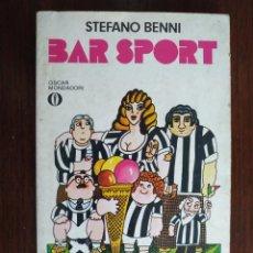 Libros: LIBRO BAR SPORT DE STEFANO BENNI. EL SPORTS BAR ES EL LUGAR DONDE VES LA VIDA PASAR. 1190. Lote 199045440