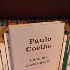 Libros: PAULO COELHO. VERÓNIKA DECIDE MORIR.. Lote 165065625