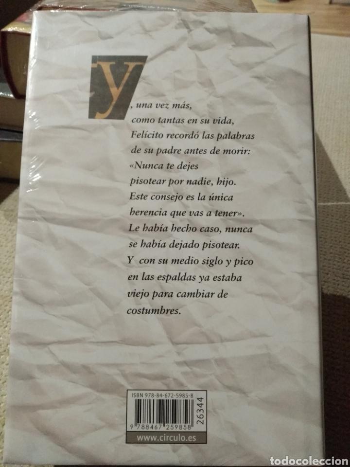 Libros: Mario Vargas Llosa. El héroe discreto. Circulo de lectores. Libro nuevo - Foto 2 - 222292627
