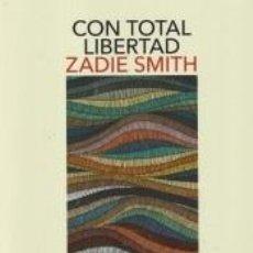 Libros: CON TOTAL LIBERTAD. Lote 235880405