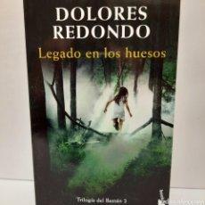 Libros: LEGADO EN LOS HUESOS DE DOLORES REDONDO. Lote 257551190