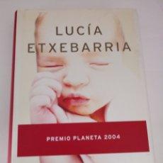 Libros: UN MILAGRO EN EQUILIBRIO DE LUCIA ETXEBARRIA. Lote 269390573