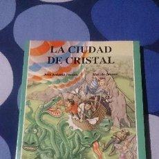 Libros: LIBROJUEGO S.O.S. TU LIBRO JUEGO DE AVENTURAS LA CIUDAD DE CRISTAL 26 EDICIONES JUCAR. Lote 98501755
