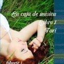 Libros: LA CAJA DE MUSICA LIBRO 1 TORI PARTE 1 ALGO DENTRO DEL BOSQUE. Lote 146705694