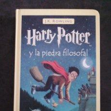 Libros: HARRY POTTER Y LA PIEDRA FILOSOFAL. Lote 201352212
