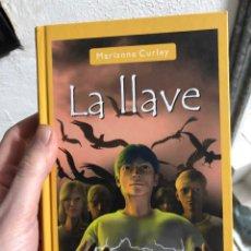 Libri: LA LLAVE - SALAMANDRA - MARIANNE CURLEY. Lote 247998610