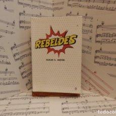 Livros: REBELDES - SUSAN E HINTON. Lote 274217423