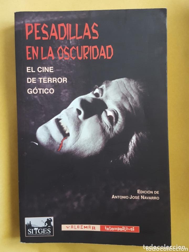 LIBRO / PESADILLAS EN LA OSCURIDAD - ANTONIO JOSE NAVARRO (Libros Nuevos - Literatura - Narrativa - Terror)