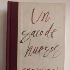 Libros: UN SACO DE HUESOS. Lote 218523320