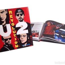 Libros: U2 * REVOLUTION * LIBRO TAPAS DURAS * EN CASTELLANO * PRECINTADO. Lote 201172068