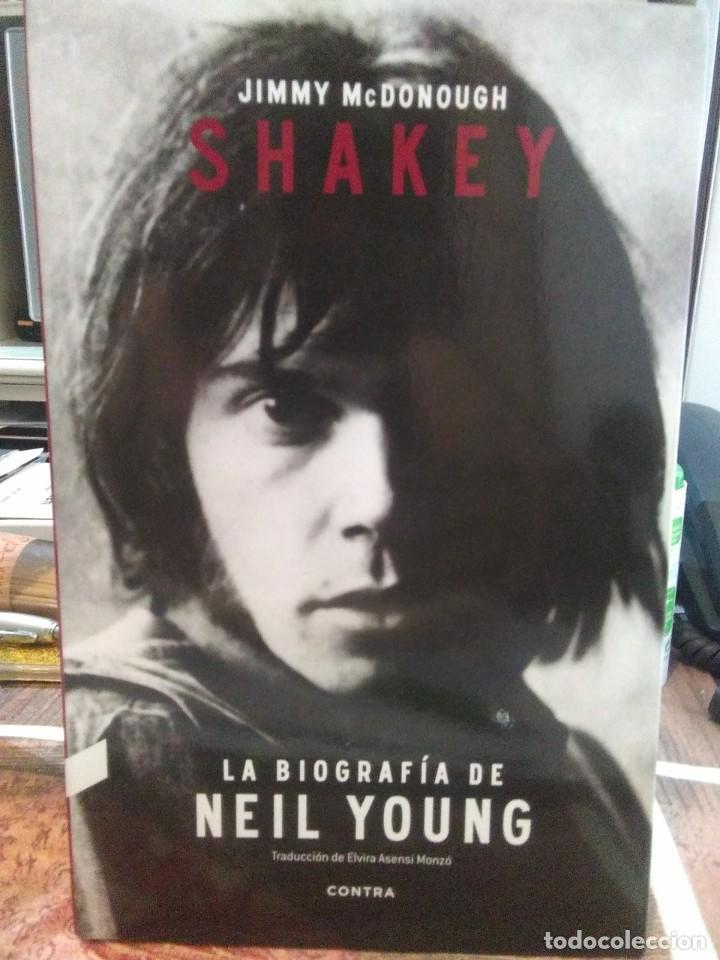 JIMMY MCDONOUGH.SHAKEY(LA BIOGRAFÍA DE NEIL YOUNG).CONTRA (Libros Nuevos - Bellas Artes, ocio y coleccionismo - Música)