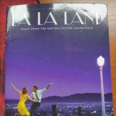Libros: UKELELE LA LA LAND MUSIC FROM THE MOTION PICTURE SOUNDTRACK. HAL LEONARD. Lote 236945835