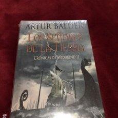 Libros: LOS SEÑORES DE LA TIERRA. WIDUKIND POR ARTUR BALDER ABSOLUTAMENTE NUEVO CON PLASTIFICADO DE FABRICA. Lote 193648143