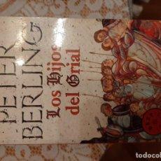 Libros: LOS HIJOS DEL GRIAL - PETER BERLIN. Lote 219174360