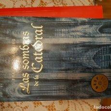 Libros: LAS SOMBRAS DE LA CATEDRAL - FRANK CHANCING. Lote 219174927
