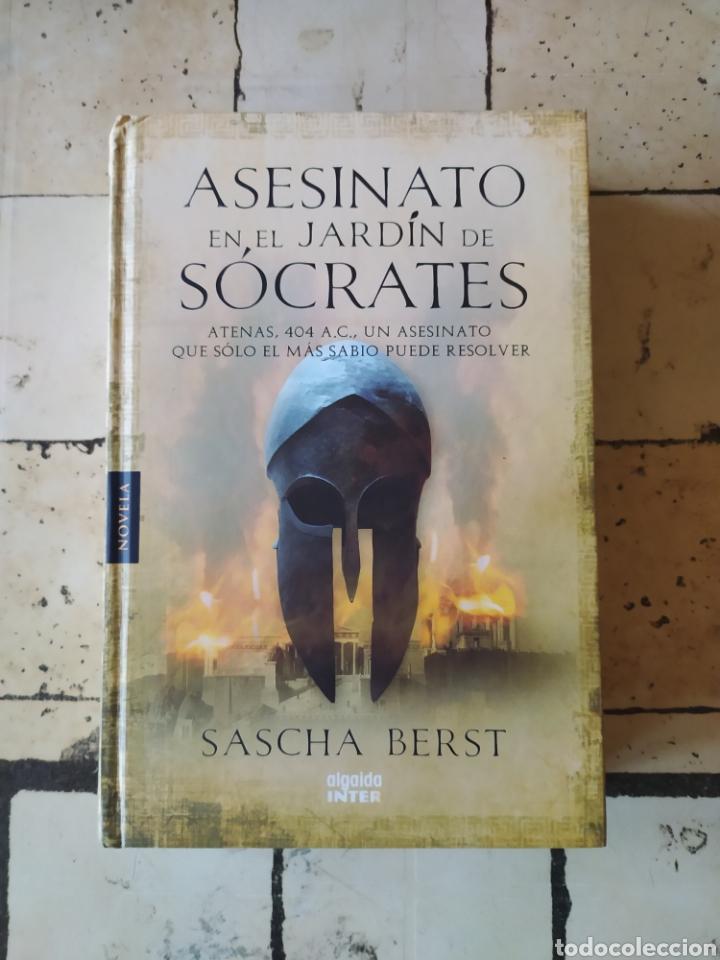 """ASESINATO EN EL JARDÍN DE SÓCRATES"" SASCHA BERST (Libros Nuevos - Narrativa - Novela Histórica)"