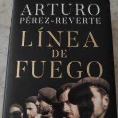 Libros: LÍNEA DE FUEGO. ARTURO PÉREZ-REVERTE. Lote 269778488