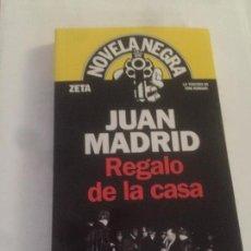Libros: NOVELA REGALO DE LA CASA DE JUAN MADRID. Lote 130723459