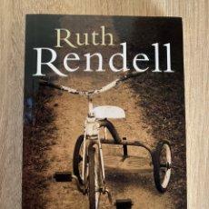 Libros: RUTH RENDELL - LOS HILOS DEL AZAR - NUEVO. Lote 195325596