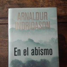 Libros: EN EL ABISMO. ARNALDUR INDRIDASON. Lote 214200902