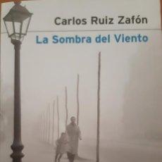 Libri: LA SOMBRA DEL VIENTO. CARLOS RUIZ ZAFÓN. 2A. EDICIÓN EDITORIAL PLANETA RARA VERSIÓN. Lote 218091941
