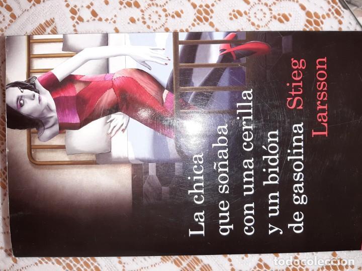 LA CHICA QUE SOÑABA CON UNA CERILLA... STIEG LARSSON (Libros Nuevos - Literatura - Narrativa - Novela Negra y Policíaca)