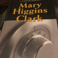 Libros: LA FUERZA DEL ENGAÑO MARY HIGGINS CLARK. Lote 222709852