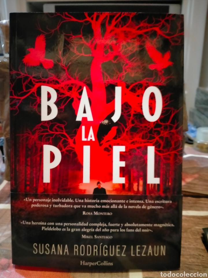 SUSANA RODRÍGUEZ LEZAUN. BAJO LA PIEL. (UN CASO DE LA INSPECTORA MARCELA PIELDELOBO). (Libros Nuevos - Literatura - Narrativa - Novela Negra y Policíaca)