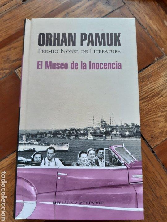 EL MUSEO DE LA INOCENCIA. ORHAN PAMUK. TAPA DURA. MONDADORI (Libros Nuevos - Literatura - Narrativa - Novela Romántica)