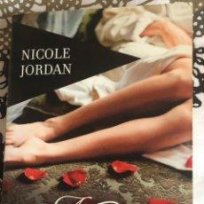 Libros: NICOLE JORDAN: ABRAZOS DE TERCIOPELO. Lote 233463035