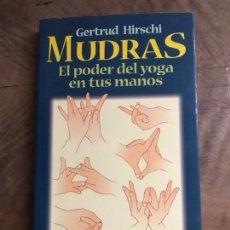Libros: EL PODER DEL YOGA EN TUS MANOS. Lote 180418117