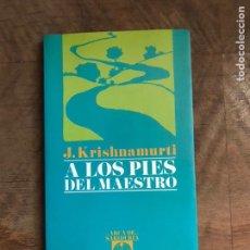 Libros: A LOS PIES DEL MAESTRO. Lote 180418288