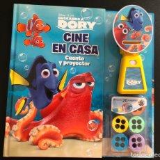 Libros: LIBRO. VISOR. PIXAR. BUSCANDO A DORY. CINE EN CASA. CUENTO Y PROYECTOR.. Lote 208693745