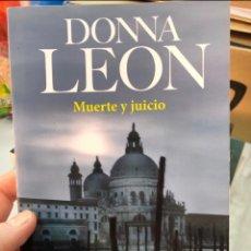 Libros: DONNA LEON - MUERTE Y JUICIO - BOOKLET. Lote 263206925