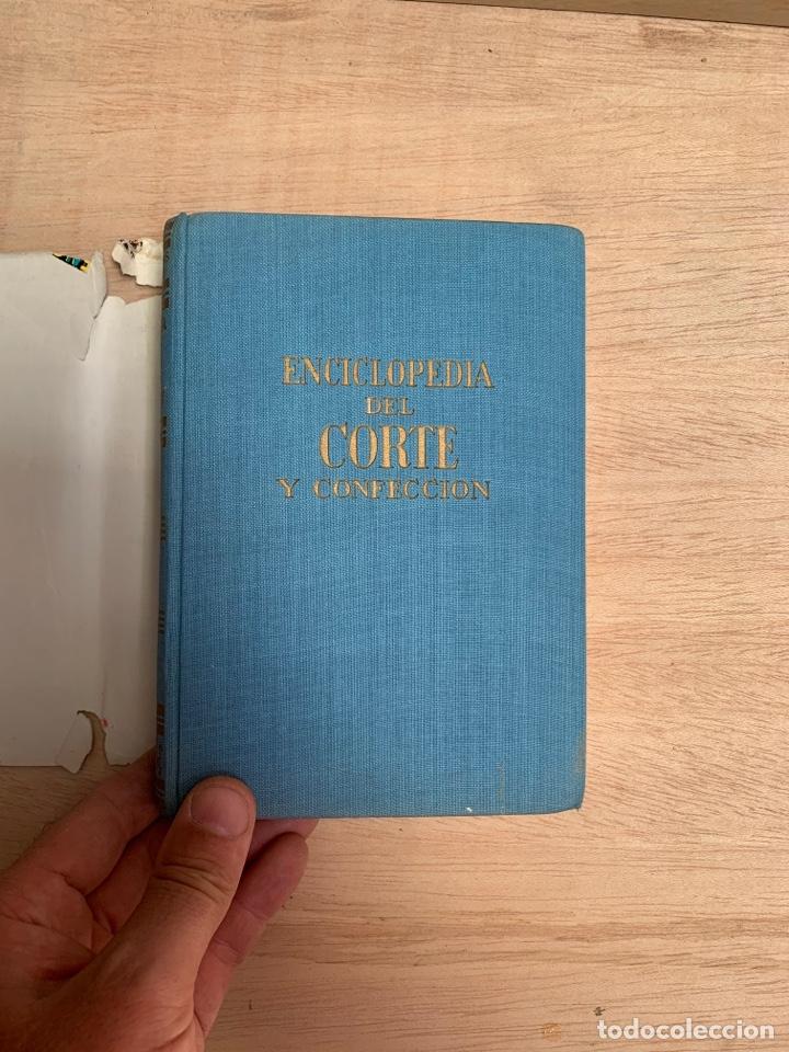 Libros: Enciclopedia del corte y confección por Ana María Calera - Foto 4 - 268879019