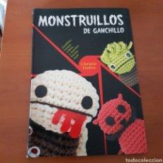 Libros: MONSTRUOS A GANCHILLO, AMIGURUMIS. Lote 241430855