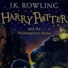 Libros: HARRY POTTER 1 AND THE PHILOSOPHERS STONE. Lote 254545475