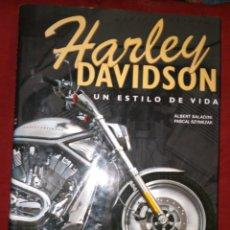 Libros: GRAN LIBRO HARLEY DAVIDSON, CIEN AÑOS DE UN MITO. 36X27 CM. Lote 278422903