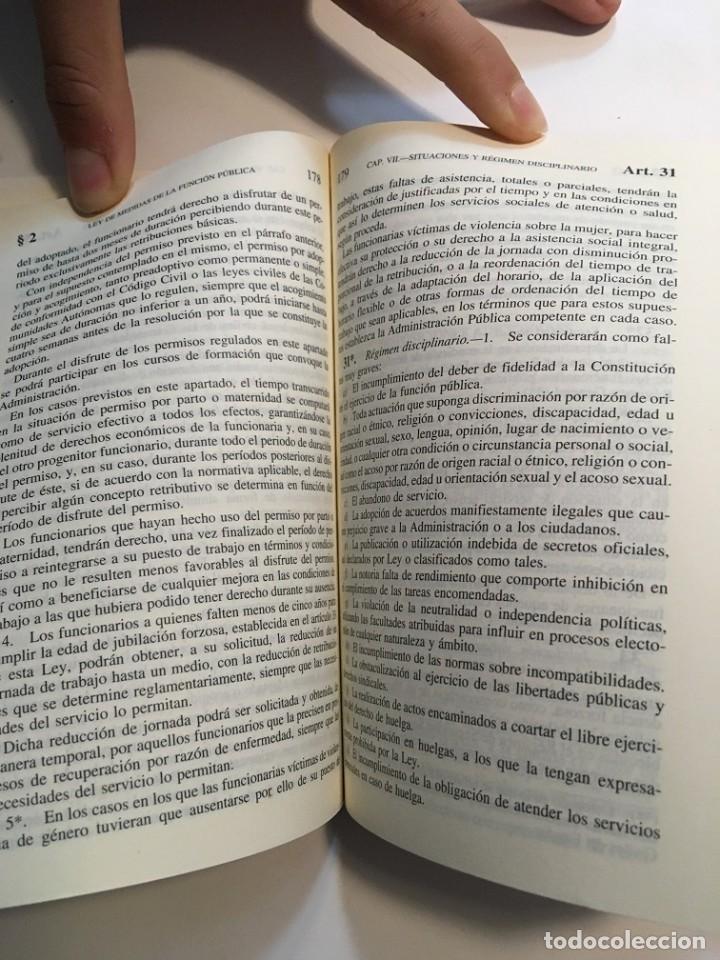 Libros: Tres libros de leyes para oposiciones, uno de ellos muy subrayado - Foto 6 - 193888492