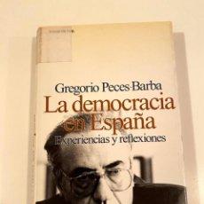 """Libros: """"LA DEMOCRACIA EN ESPAÑA"""" - GREGORIO PECES-BARBA. Lote 245197345"""