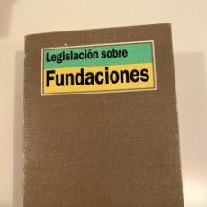 """Libros: """"LEGISLACIÓN SOBRE FUNDACIONES"""" - TECNOS. Lote 245365490"""
