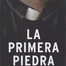 Libros: LA PRIMERA PIEDRA DE KRZYSZTOF CHARAMSA - EDICIONES B, 2017. Lote 88149836