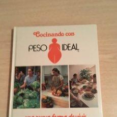 Livres: LIBRITO COCINANDO CON PESO IDEAL. Lote 186443916