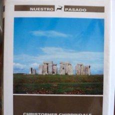 Libros de segunda mano: STONEHENGE.EN EL UMBRAL DE LAHISTORIA. CHRISTOPHER CHIPPINDALE. NUESTRO PASADO. Lote 39141732