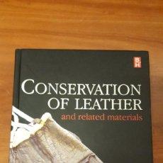 Livres d'occasion: MILITAR,CONSERVACION DEL CUERO,PIEL,CONSERVATION OF LEATHER,MARION KATE,ROY THOMSON. Lote 78356673