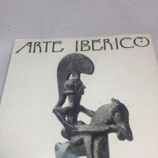 Libros de segunda mano: ARTE IBÉRICO MIQUEL TARRADELL EXVOTO AMULETO ESCULTURA CERÁMICA ILUSTRACIONES 4 IDIOMAS 1968. Lote 105879195