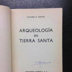 Libros de segunda mano: ARQUEOLOGIA EN TIERRA SANTA, KENYON, KATHLEEN M., 1963. Lote 128692707