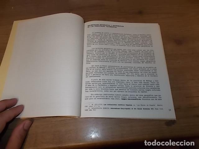 Libros de segunda mano: LAS CUEVAS DE LOS BOTIJOS Y DE LA ZORRERA EN BENALMÁDENA. CARMEN OLARIA . 1978. VER FOTOS. - Foto 4 - 134348370